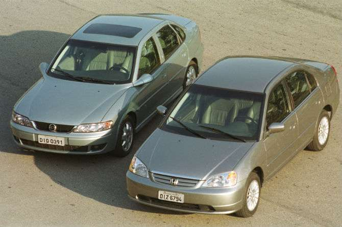 Teste das antigas: Chevrolet Vectra CD encara Honda Civic EX