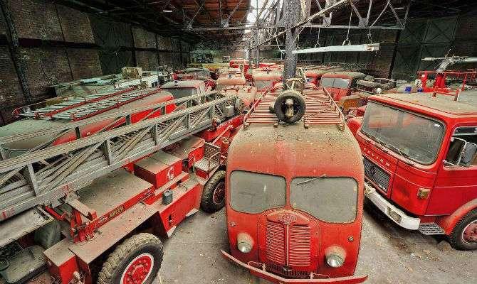 França abandona caminhões de bombeiros
