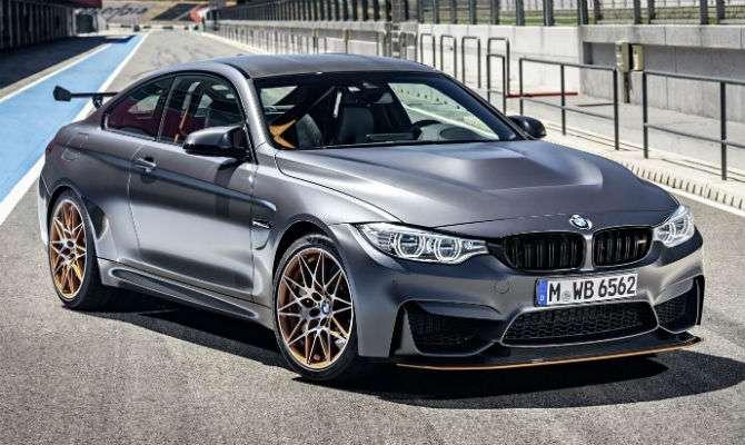 BMW revela M4 GTS de 500 cv