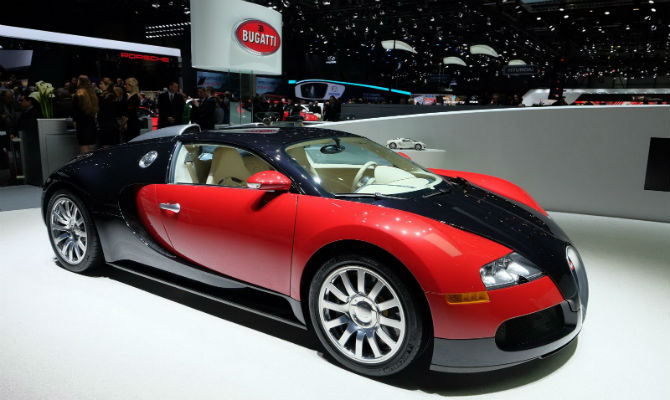 primeiro bugatti veyron ir a leil o jornal do carro estad o. Black Bedroom Furniture Sets. Home Design Ideas