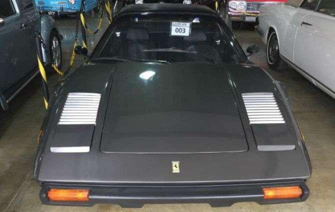 Leilão de clássicos tem Ferrari a R$ 81 mil