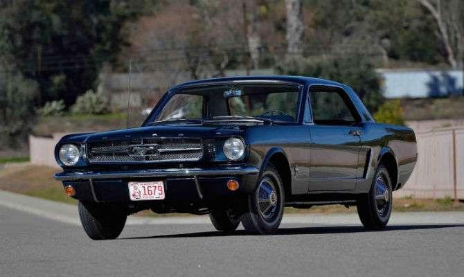 Primeiro Mustang cupê da história vai a leilão
