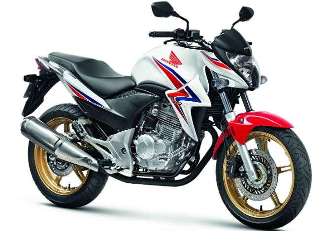 Honda CB 300R 2015 chega às lojas