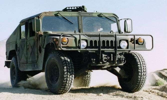 Exército dos EUA leiloa 'Hummer' militar