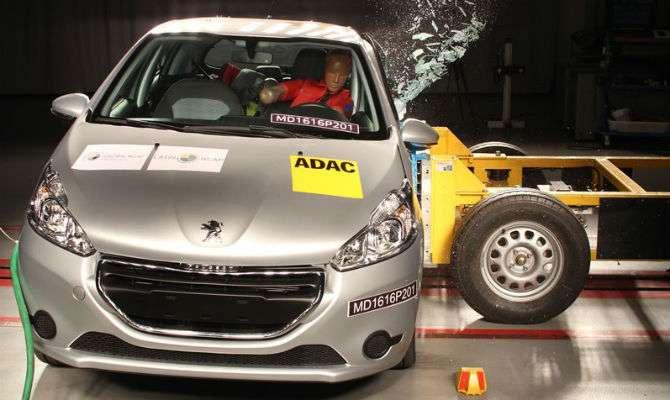Peugeot 208 perde estrelas no Latin NCAP
