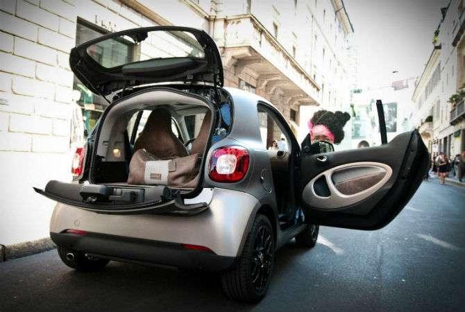 Smart ForTwo leva 'banho de loja' na Itália