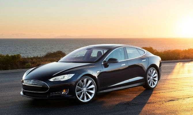 Tesla Model S já está à venda no Brasil
