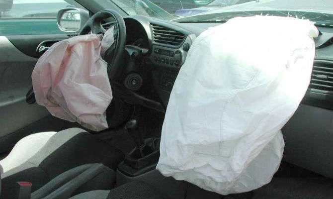 Air bags deflagrados após acidente