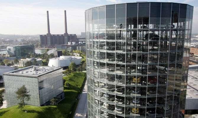 Na Alemanha, pode-se comprar um Volkswagen e retirá-lo pessoalmente na Autostadt, ao lado da fábrica