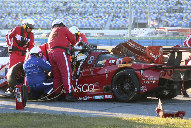 Vídeo: acidente forte na 24 Horas de Daytona