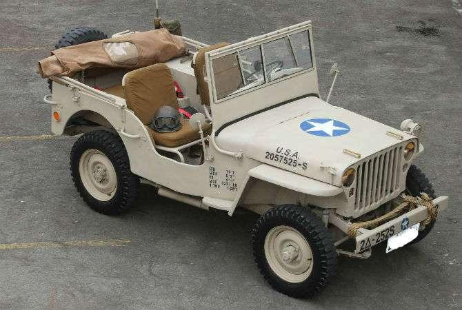Jeep Willys 1942 revive a Segunda Guerra