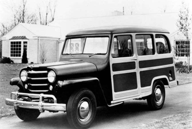 Um exemplar de 1950 do Willys Jeep Station Wagon norte-americano