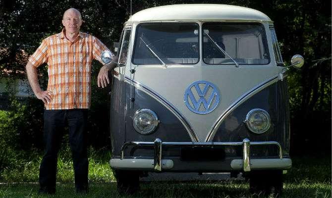 Kombi 1960 é volta à infância de empresário