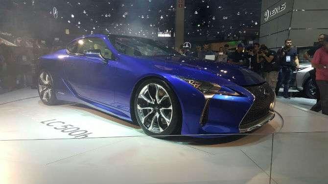 Lexus tem híbridos e elétricos no Salão