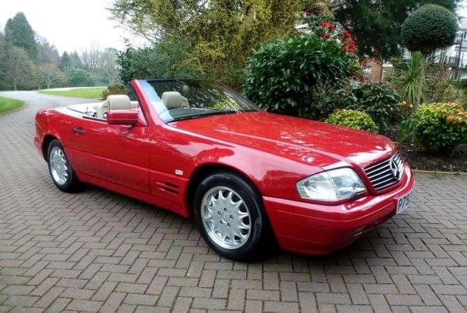 Mercedes é abandonado por 21 anos após dona perder as chaves
