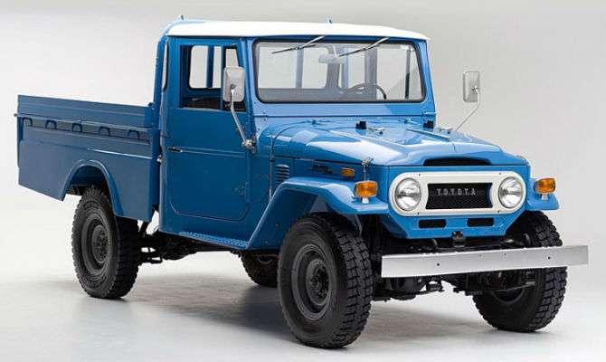 Toyota Bandeirante restaurado está à venda