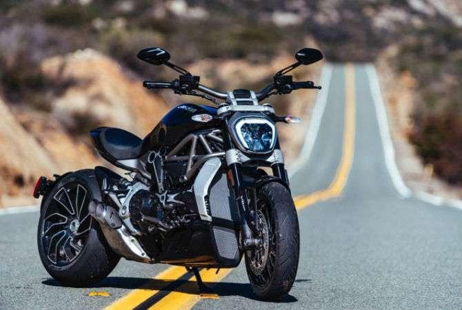 Ducati XDiavel é esportiva e estradeira