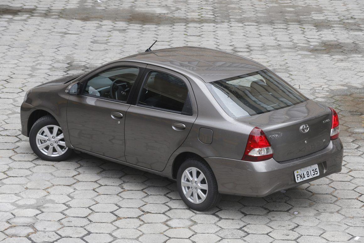 Veja carros que não venderam nada em outubro - Jornal do Carro - Estadão 12e4b1cce4