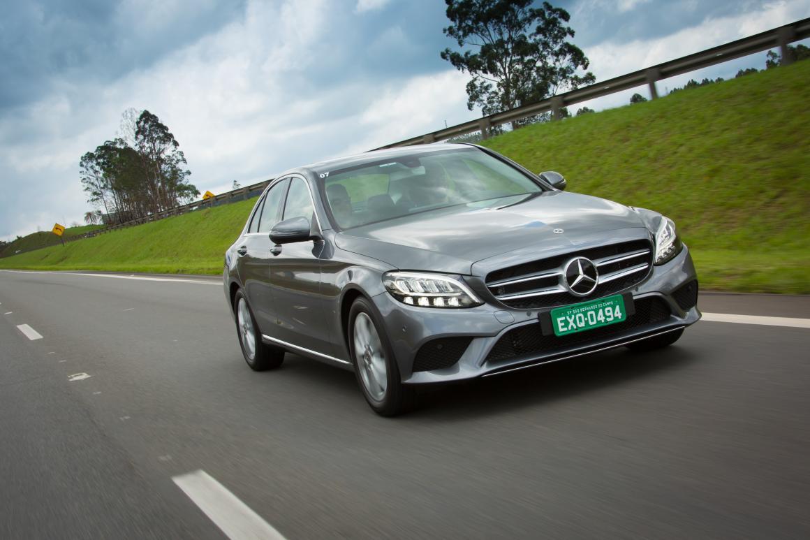 Mercedes-Benz Classe C sedãs médios