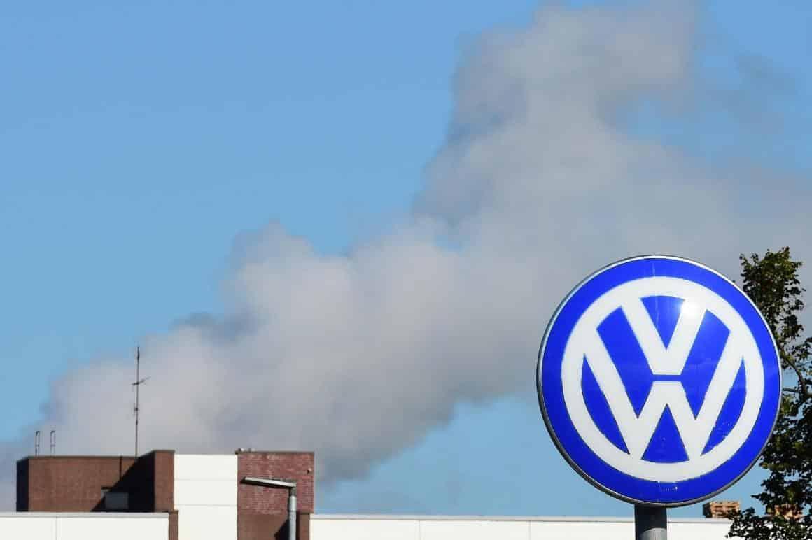 fabrica-da-volkswagen-em-wolfsburg-alema