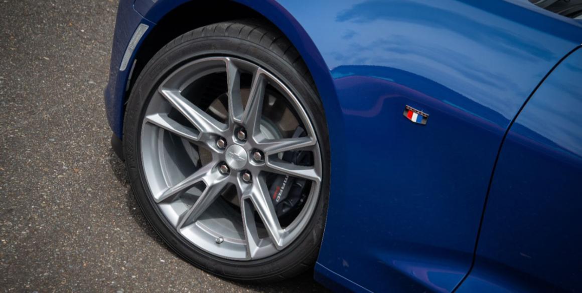 Chevrolet Camaro SS detalhe roda