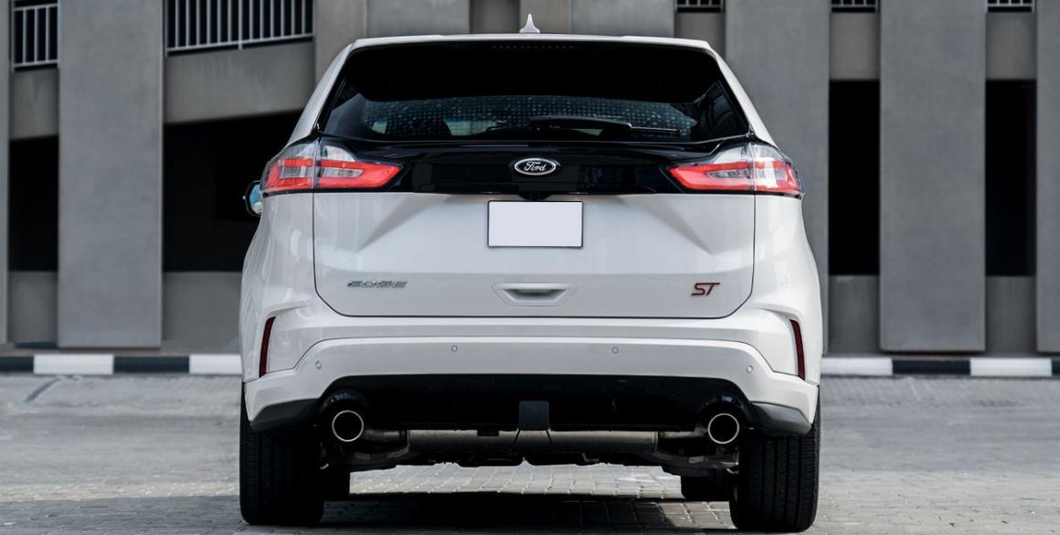 Ford-Edge-tras