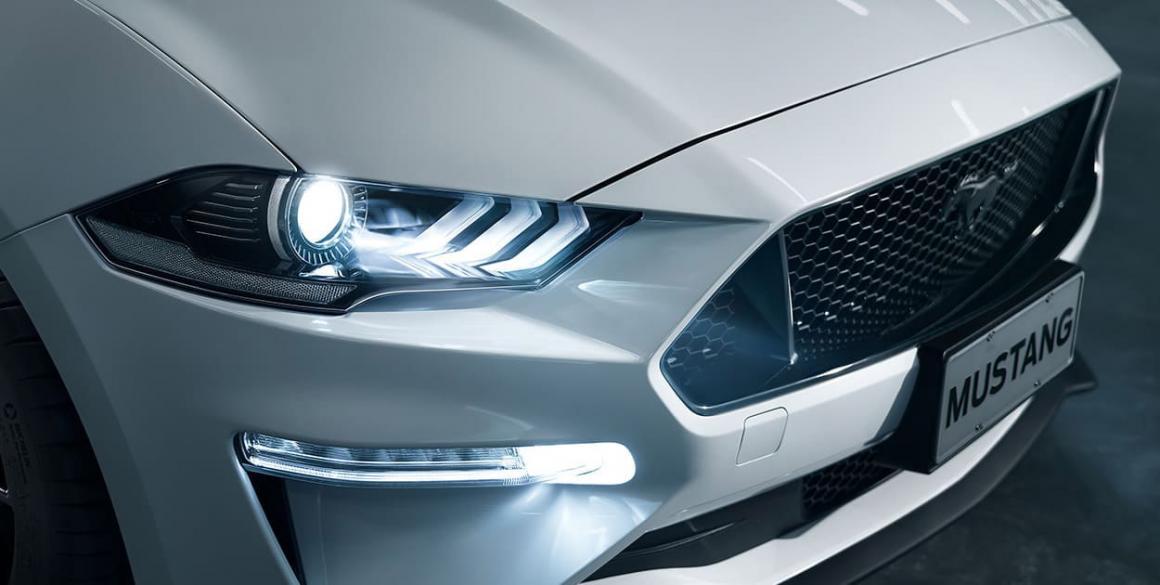 Ford-Mustang-farol