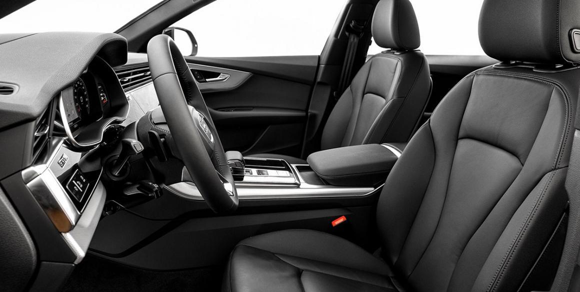 Audi-Q8-bancos-frente