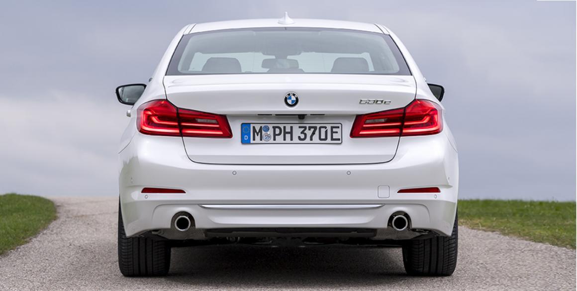 BMW 530e tras
