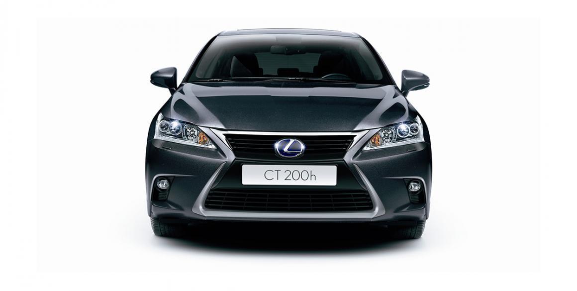 Lexus-CT200H-frontal
