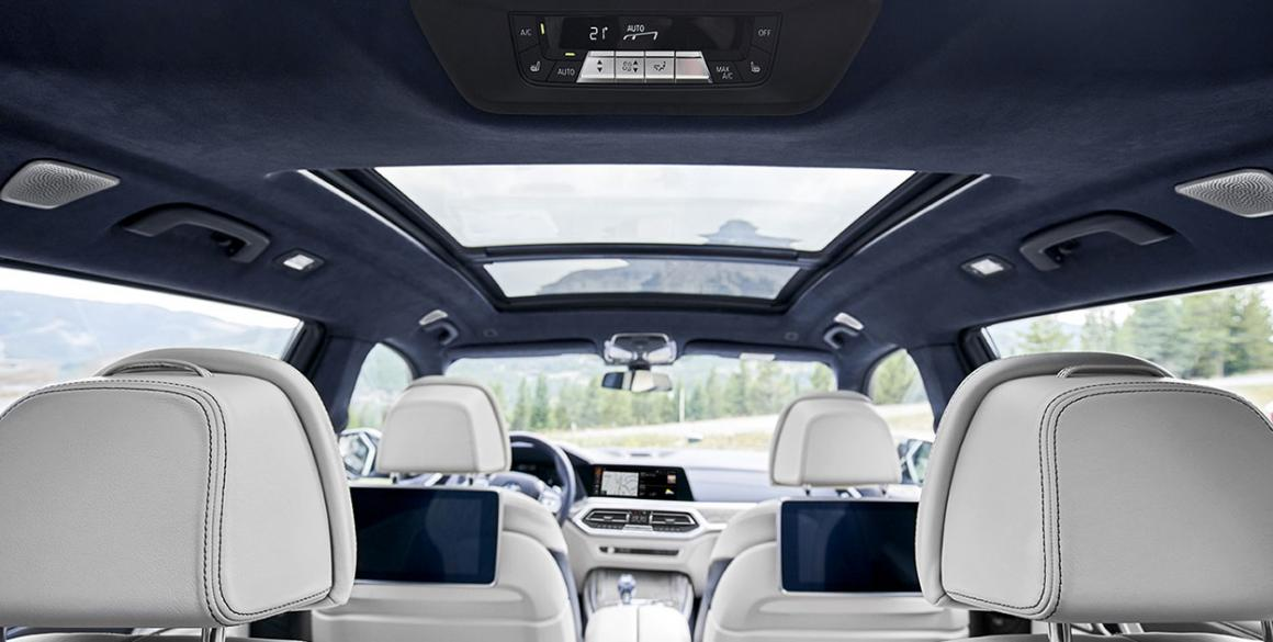 BMW-X7-interior2