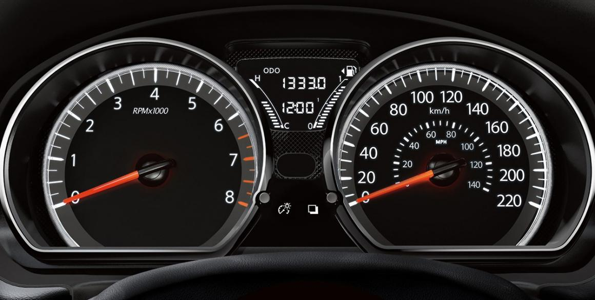 Nissan-Versa-painel