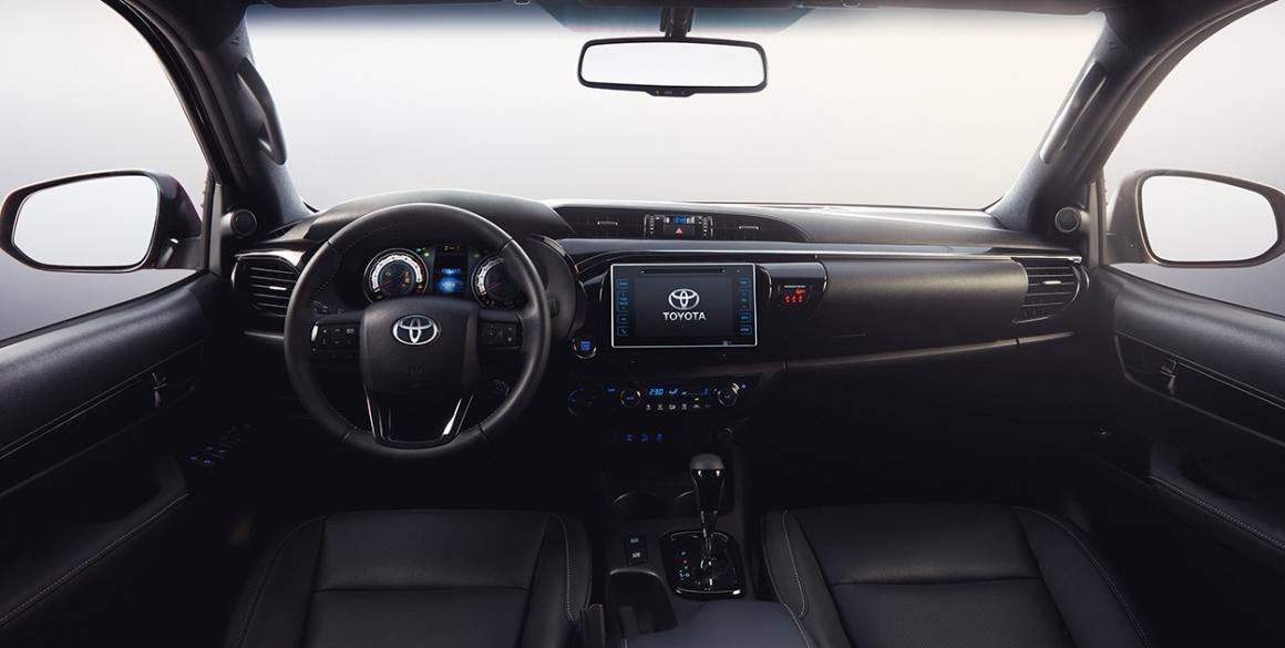 Toyota-Hilux-interior-