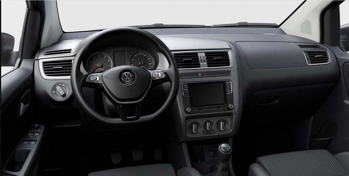 Volkswagen Fox-Connect-interior