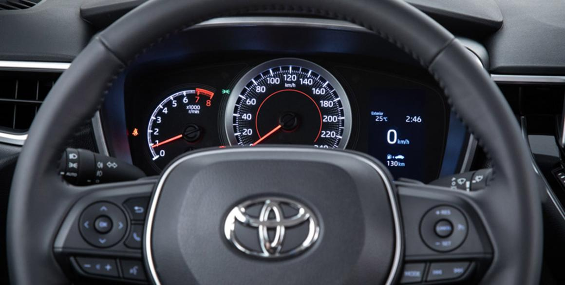 Toyota-Corolla-detalhe-volante-2