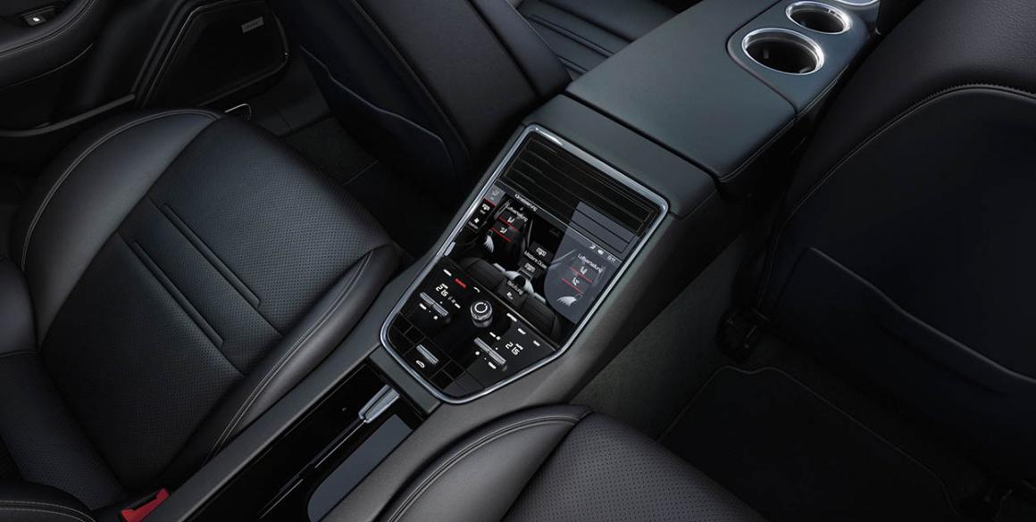 Porsche-Panamera-painel