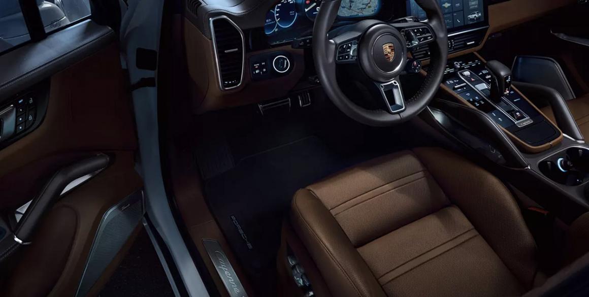Porsche-Cayenne-int2