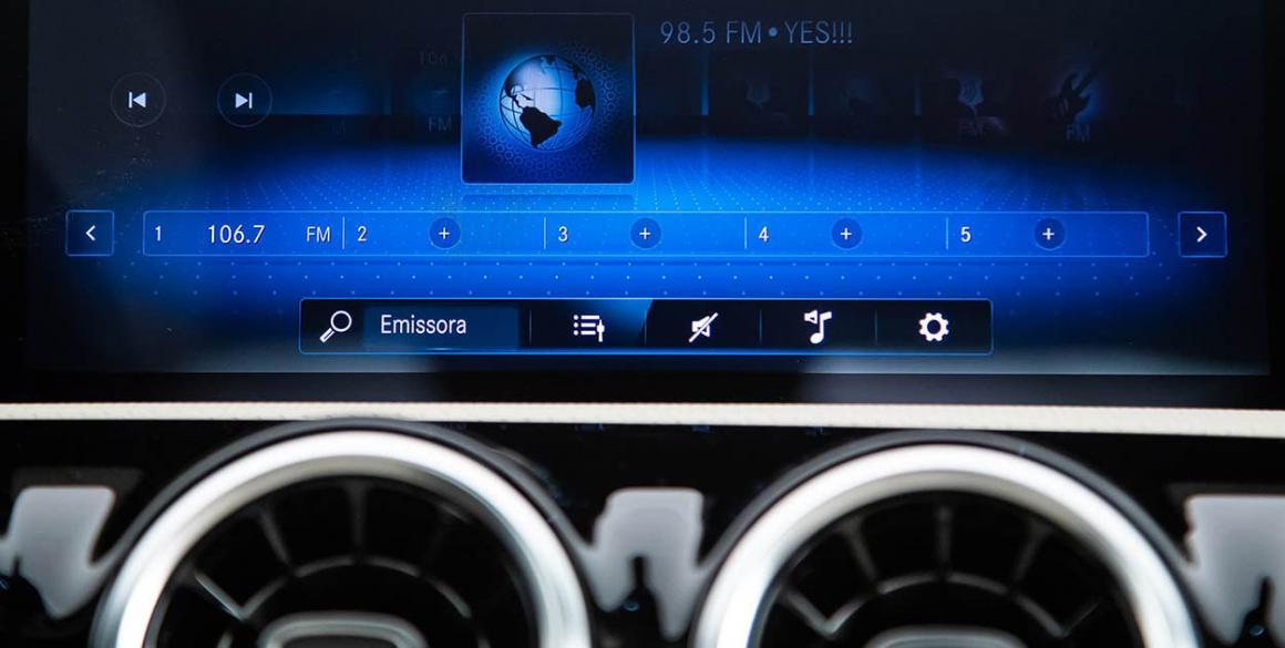 Mercedes-Classe-A-multim