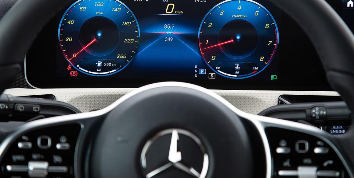 Mercedes-Classe-A-painel
