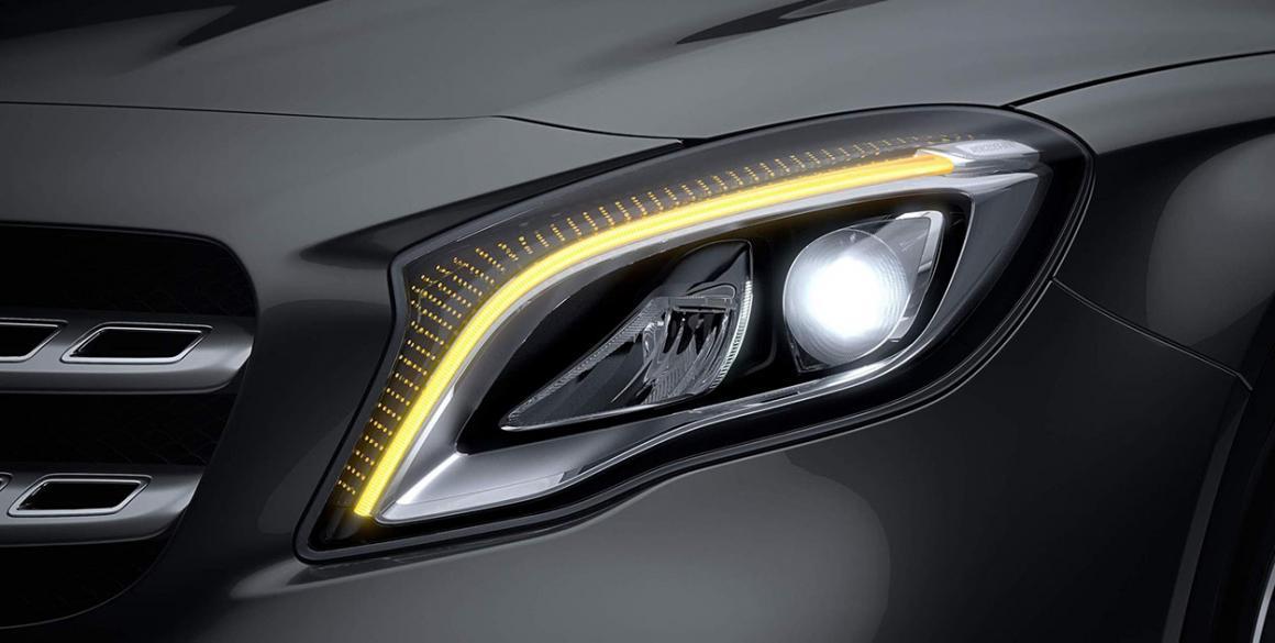 Mercedes GLA-200-detalhe