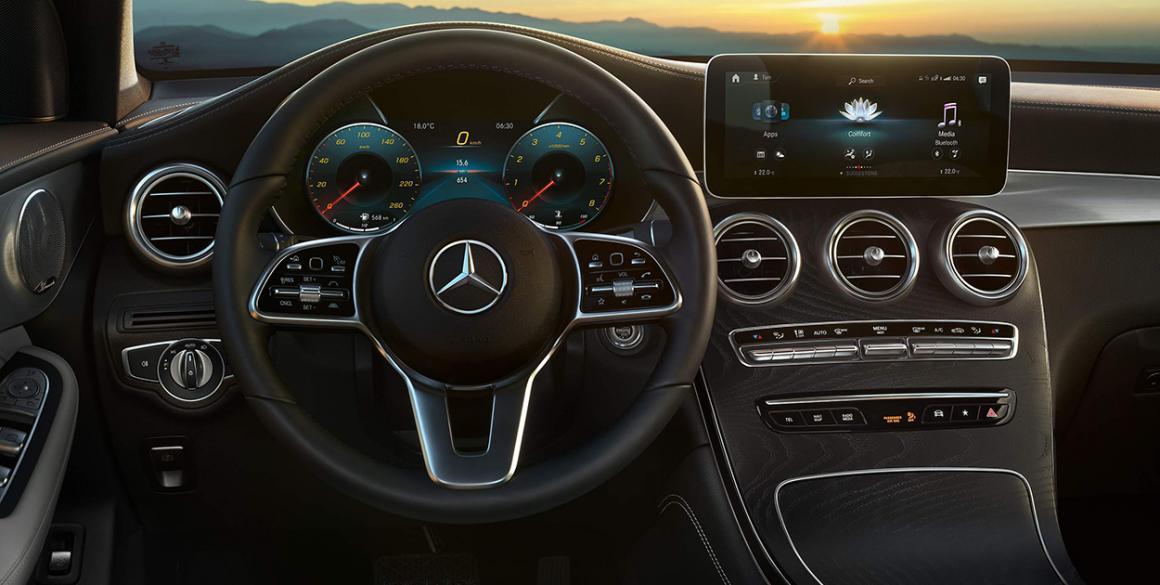 Mercedes-GLC-painel