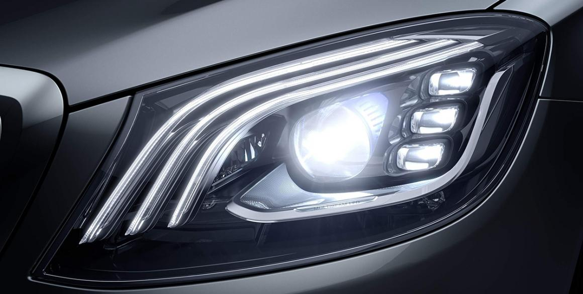 Mercedes-Classe-S-farol