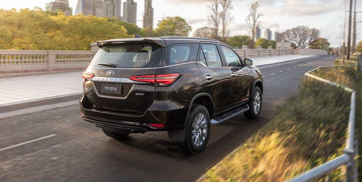 Toyota SW4-tras