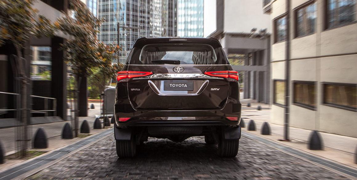 Toyota SW4-tras2