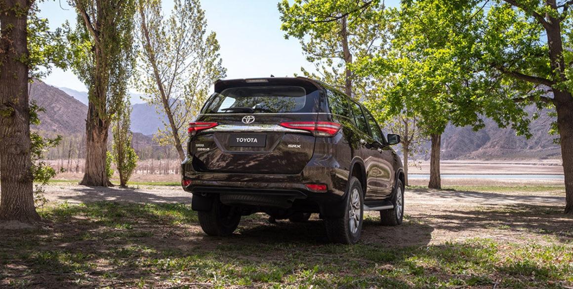 Toyota SW4-tras3