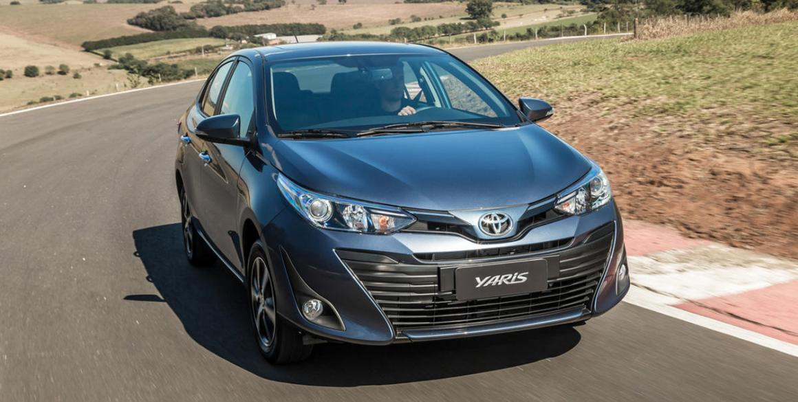Toyota-Yaris-Sedan-frente