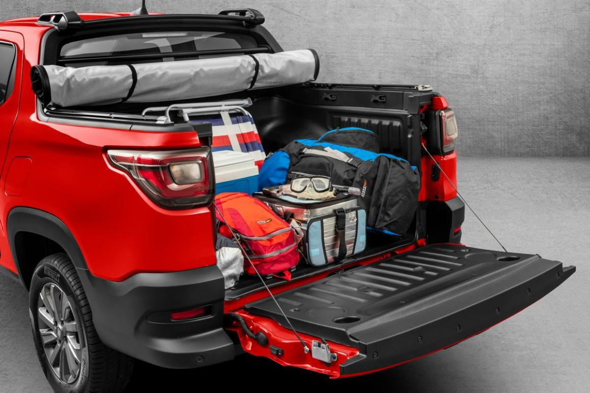 Fiat Nova Strada Freedom Cabine Dupla 1.3 Flex 10