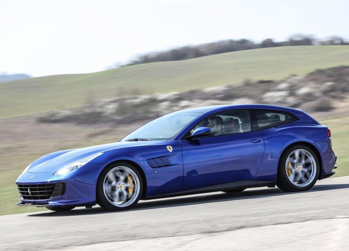 Suv Ferrari Purosangue E Visto Em Testes Em Maranello