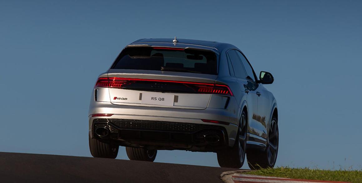 Audi-Q8-tras2