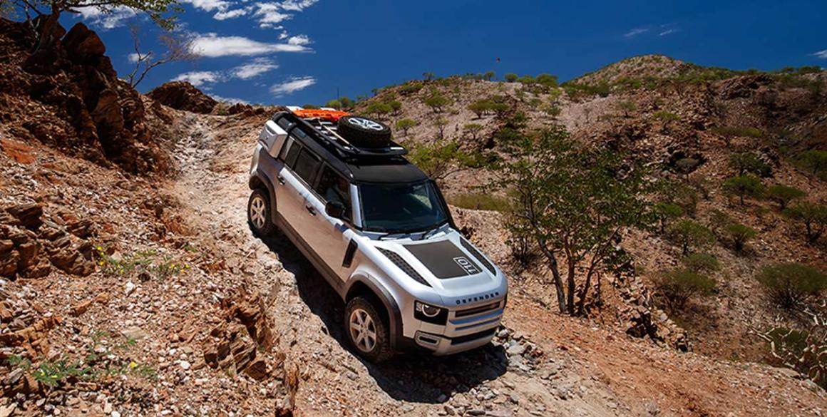 Land-Rover-Defender-cima